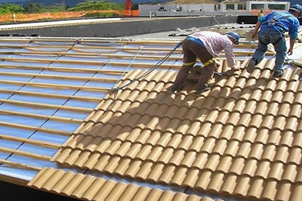 Solu��es Industriais Jundia� - Manutenção de Telhados